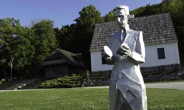 Etno Garden Plitvice Lakes Tesla