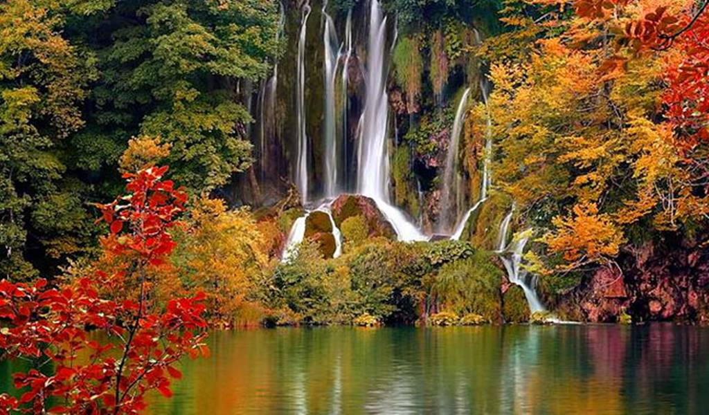 Plitvice Lakes post 1 all time of the year jesen