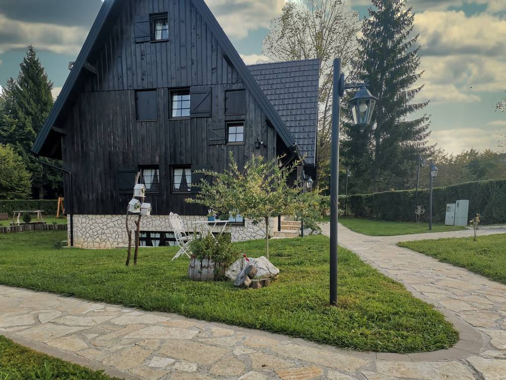 Plitvice Lakes Accomodation Etno Garden Plitvice Lakes Croatia 2020 06
