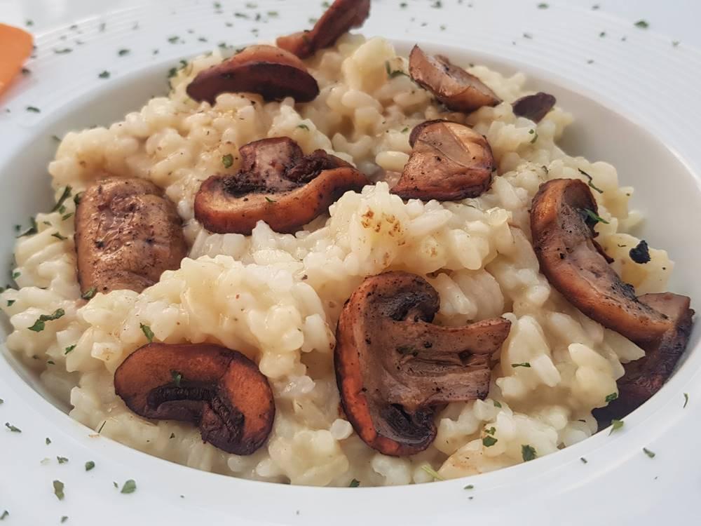 Plitvice Lakes Restaurant Gourmet Etno Garden Plitvice Lakes Croatia 2020 020